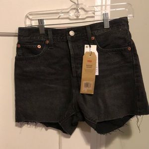 Levi's High Rise Black Shorts